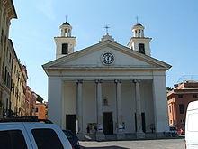 La facciata neoclassica della basilica di Santa Maria di Nazareth