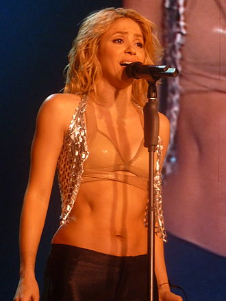 """Sale el Sol - Shakira performing the title-track """"Sale el Sol"""" during The Sun Comes Out World Tour"""