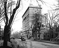 Sherbrooke Street, looking east from Mountain Street, Montreal, QC, about 1915.jpg
