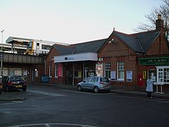 Shortlands station building.JPG