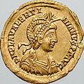 Solidus ValentinianIII-wedding (cropped).jpg