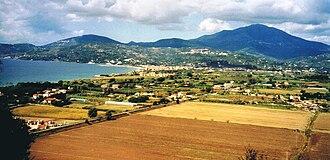 Marina di Casalvelino - Image: Southern Tyrrhenian railway near Velia