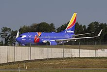 Southwest Airlines 737 N409WN Triple Crown One.jpg