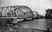 StateLibQld 1 43711 Floodwaters rush under the MacIntyre River Bridge, Goondiwindi, 1921.jpg