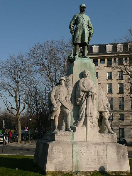Fichier:Statue du maréchal Fayolle.jpg