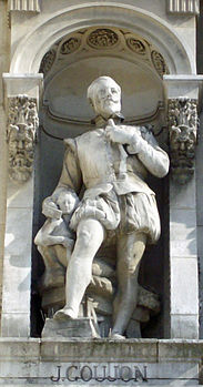 Statue of Jean Goujon on the Hotel de Ville in Paris.jpg