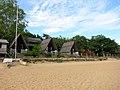 Strandhutjes (6645724693).jpg