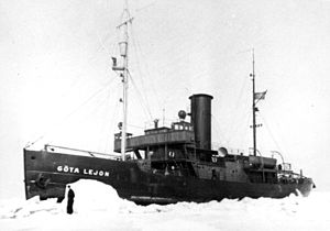 Swedish Ice Breaker Göta Lejon.JPG
