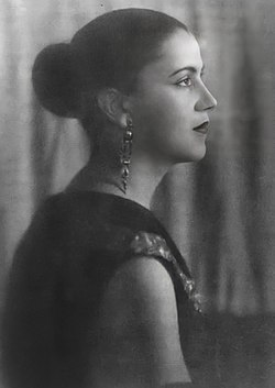 Tarsila do Amaral, ca. 1925.jpg