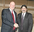 The Minister of Communications & Information Technology Shri Dayanidhi Maran shaking hands with the CEO Microsoft, Mr. Steve Ballmer, in New Delhi on November 08, 2006.jpg