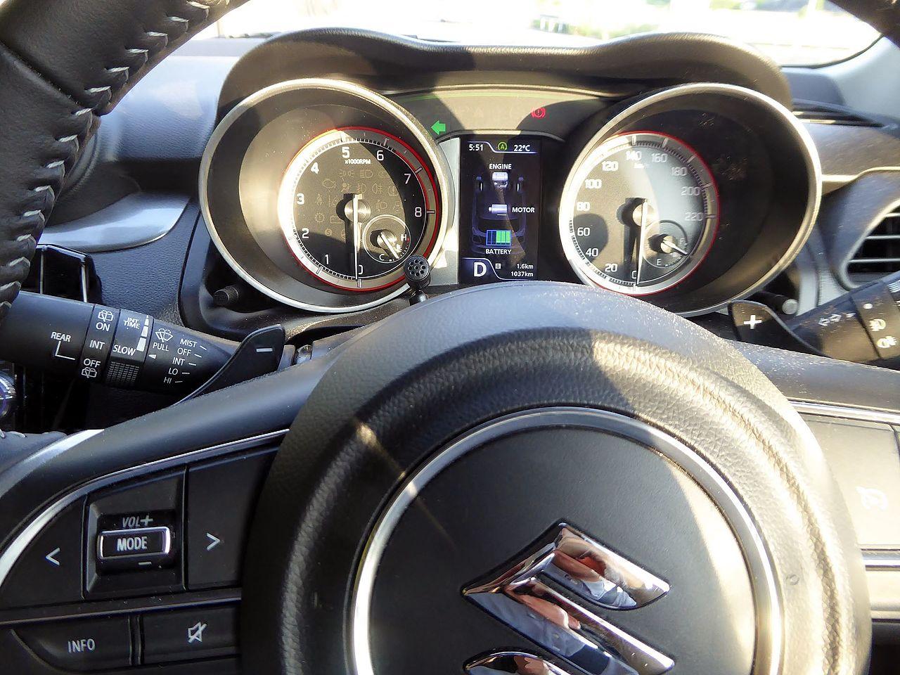 File:The meter of Suzuki SWIFT HYBRID RS 2WD (DAA-ZC53S-VBRB