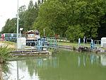Thugny-Trugny, Canal des Ardennes écluse nr 8 (04 bateau en écluse eau haute).JPG