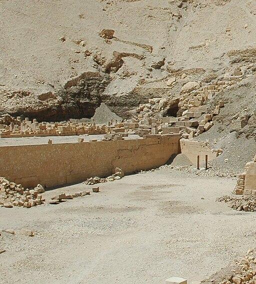 ThutmosisIII-Hathorkapelle