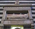 Tomba del vescovo di Pienza Tommaso Piccolomini, di Neroccio (1484-1485).JPG