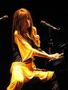 Tori Amos in un concerto in Israele nel 2007.