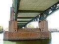 Toulouse - Pont Saint-Pierre - Pile, charpente métallique et sous-face du tablier béton.JPG