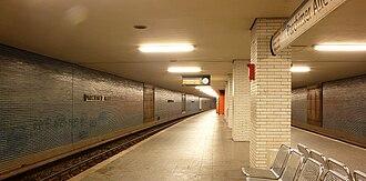 Parchimer Allee (Berlin U-Bahn) - Platform view