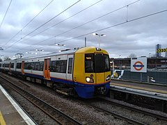 Unit 378 232 at Harringay Green Lanes station.jpg
