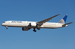 United Airlines Boeing 787-10 on finals at Beijing Capital Airport.jpg