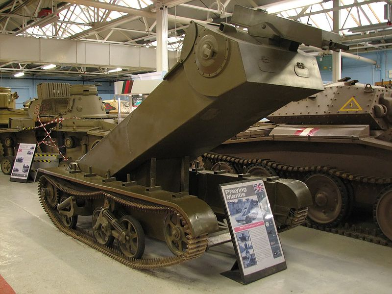 http://upload.wikimedia.org/wikipedia/commons/thumb/f/f6/Universal_Carrier_Praying_Mantis_1_Bovington.jpg/800px-Universal_Carrier_Praying_Mantis_1_Bovington.jpg