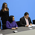 Unterzeichnung des Koalitionsvertrages der 18. Wahlperiode des Bundestages (Martin Rulsch) 102.jpg