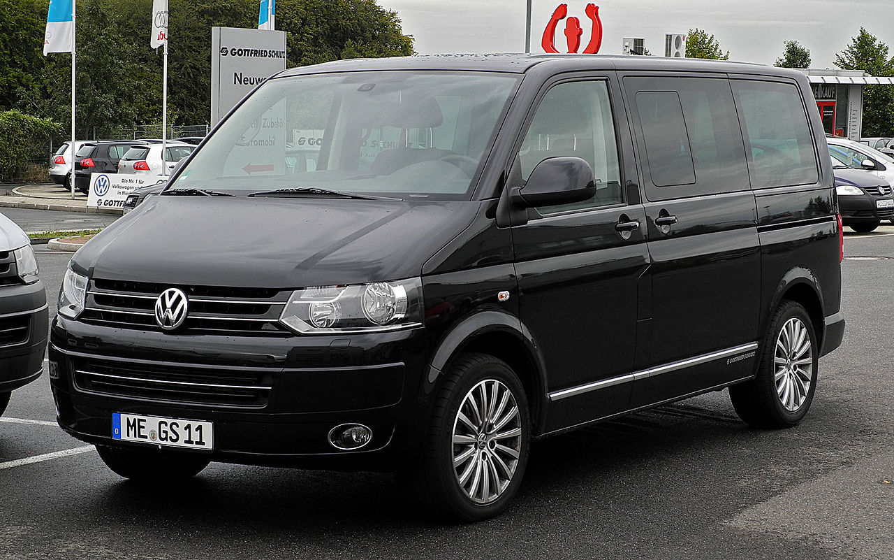 file vw multivan highline t5 facelift frontansicht 11 september 2011. Black Bedroom Furniture Sets. Home Design Ideas
