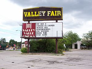 Valley Fair Shopping Center - Image: Valley Fair Mall Sign