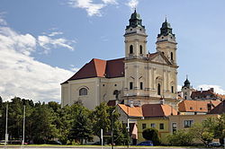 Valtice parish church 01.jpg