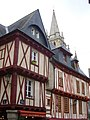 Vannes - place Henri-IV et cathédrale.jpg
