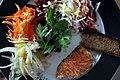 Varmrøget laks, fennikel, gulerod, rødbede, selleri, persille og ristet brød (4907663161).jpg