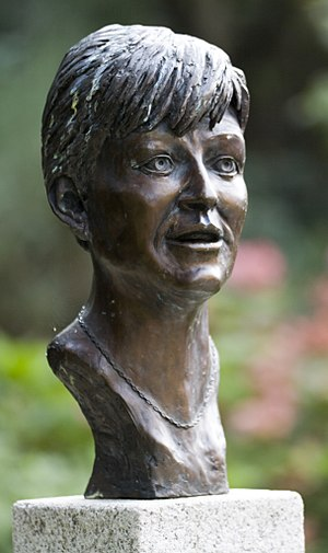 Veronica Guerin - Monument to Guerin in Dublin Castle gardens