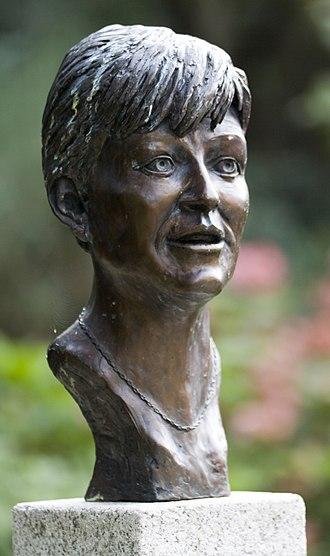 Veronica Guerin - Monument to Guerin in Dublin Castle gardens