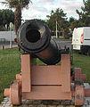 Vieux canon sur le port.jpg
