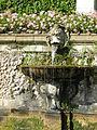 Villa reale di marlia, teatro d'acqua, fontana con vasca e mascherone 02.JPG