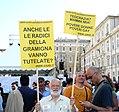 Villella-gruppo-con-cartelli.jpg