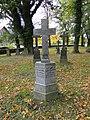 Wamckow Kirchhof Grabkreuz Ella und Anton von Bülow 2012-10-11 407.JPG