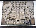 Wappen der Grafen von Rohden an der Hauswand des denkmalgeschützten Fachwerkhauses Rohdehof 20 in Langenhagen.jpg