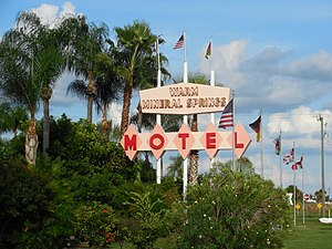 Warm Mineral Springs Motel - Image: Warm Mineral Springs Motel sign