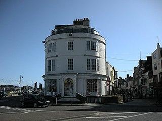 Statue House, Johnstone Row (terrace)