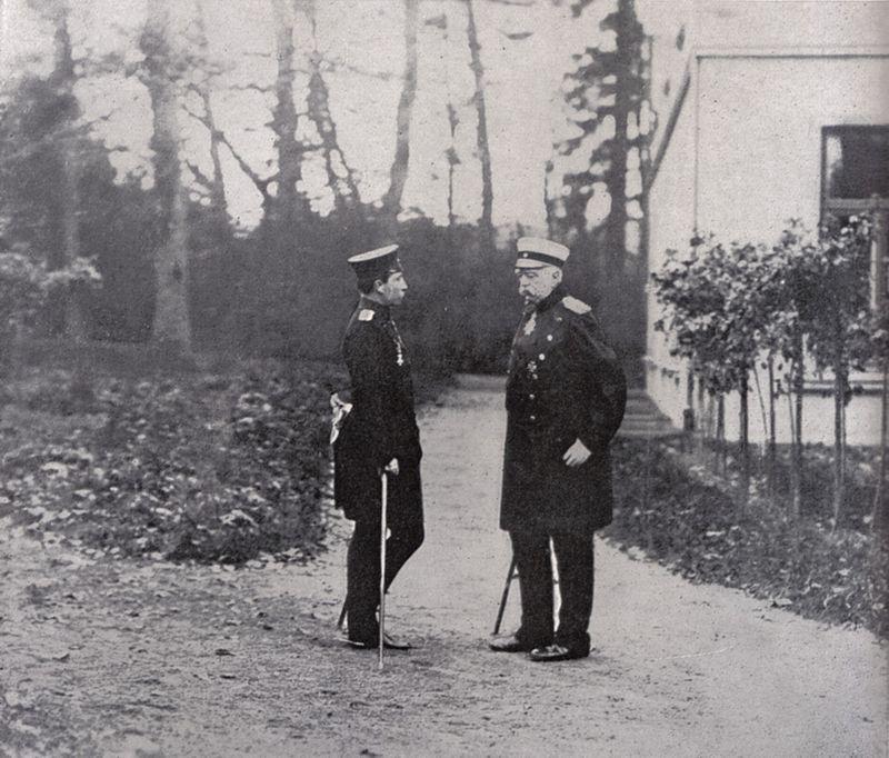 800px-Wilhelm_II_und_Bismarck.jpg