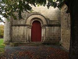 Église Saint-Pierre-ès-Liens de Saint-Pierre-de-l'Isle.jpg