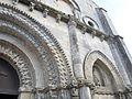 Église Saint Nicolas de Maillezais - Détail de la façade (3).JPG