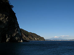 Ōkuzure Coast and Mt. Fuji.jpg
