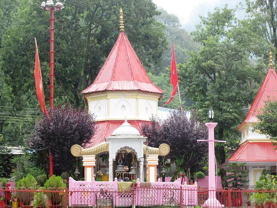 नयना देवी मंदिर नैनीताल - panoramio