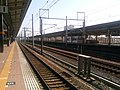 新富士駅 上りホーム - panoramio.jpg