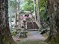 瀧山神社社殿、参道 - panoramio.jpg