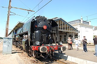 SNCF Class 141R ndeg 1199, built by Baldwin in 1947, now preserved in Nantes, France 141R1199 - gare de Blois - 23 mai 2010.JPG