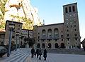 182 Monestir de Montserrat, plaça de Santa Maria, façana de Francesc Folguera.JPG