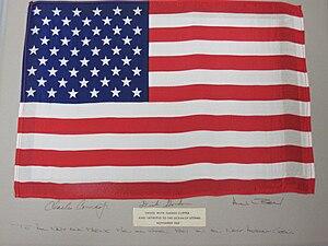 2011-173-101 US Ensign, Apollo 12.jpg