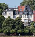 2013-08-05 Villa Schumm, Adenauerallee 89b (links) und Villa Bungarten, Adenauerallee 89a (rechts) in Bonn, Rheinseite IMG 0512.jpg